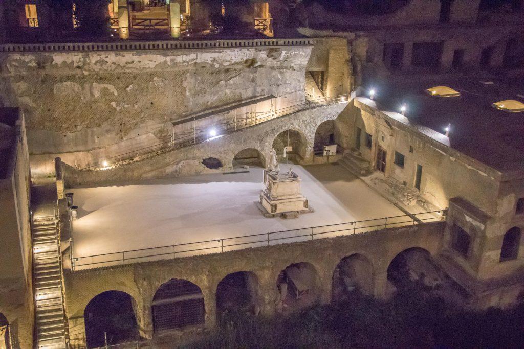 scavi di Ercolano di sera 6