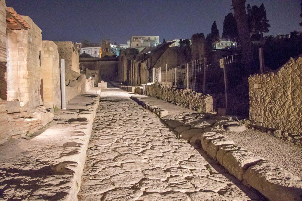 scavi di Ercolano di sera 1